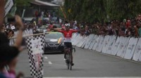 Pebalap Tim PGN Jamalidin Novardianto berhasil memenangkan etape VIII Tour de Singkarak