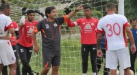 Eduardo Almeida menangani Semen Padang FC.