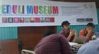 Perwakilan Direktorat Jenderal Kebudayaan, Syukur Asih Suprojo dalam pertemuan dengan spegiat kebudayaan Sumbar