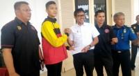 Huggies saat dilepas Gubernur Irwan Prayitno mengikuti pertandingan di Barcelona.