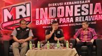 Ketua Pembina Masyarakat Relawan Indonesia Ahyudin (tengah), Presiden Aksi Cepat Tanggap sekaligu Pembina Masyarakat Relawan Indonesia Ibnu Khajar (kiri) dan Pembicara Tamu Ustaz Fariz BQ (kanan)