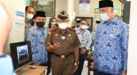 Gubernur Sumbar Mahyeldi Ansharullah bersama Kepala Kejaksaan Tinggi Sumbar Anwarudin Sulistiyono