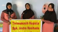 Pengelola PAUD KB Nailullrahmah di Korong Gadang, Kuranji, Padang mengucapkan terima kasih atas bantuan dari anggota DPR RI Andre Rosiade.