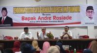 Andre Rosiade (tengah) memberikan motivasi puluhan UMKM di Limapuluh Kota