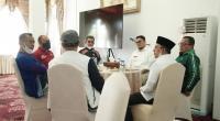 Sekjen DPP Gerindra Ahmad Muzani, Ketua DPD Gerindra Sumbar Andre Rosiade, Bupati Tanahdatar Eka Putra dan Wabup Richi Aprian saat berada di Rumah Dinas Bupati Tanahdatar, Indo Jalito.