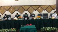 DPRD Padang mengadakan rapat paripurna dalam rangka penyampaian usulan pemberhentian Walikota Padang dan pengangkatan dan pengesahan wakil Walikota Padang menjadi Walikota Padang di sisa jabatan 2019-2024, bertempat di Gedung DPRD Kota Padang.