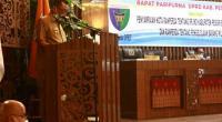 Bupati Pessel, Rusma Yul Anwar saat membacakan penyampaian dua nota Ranperda Pemkab dalam Paripurna DPRD