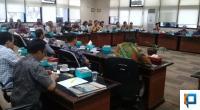 Hearing DPRD Sumbar dengan pihak OJK dan praktisi hukum