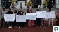 Aksi puluhan walimurid di DPRD Sumbar beberapa waktu lalu terkait PPDB