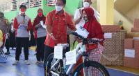 Gebyar vaksin di Sport hall Tanjung Paku, Wali Kota Solok berikan hadiah sepeda bagi warga