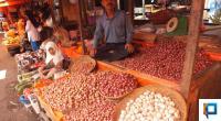 Pedagang di Pasar Bawah