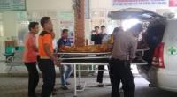 Jasad korban dibawa ke Puskesmas untuk diotopsi