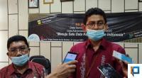 Kepala BPS Solsel Abdul Razi bersama Kadis Dukcapil Solsel Efi Yandri menjawab Wartawan usai pres Confrence dengan Kemendagri di Aula Kantor Bupati Solsel Kamis 20/1
