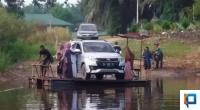 Akses jalan menuju Jorong Sikilang di Kecamatan Sungai Aur, Pasaman Barat
