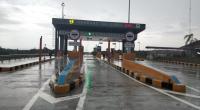 Gerbang tol Pekanbaru-Dumai. Tol sepanjang 131.48 kilometer itu  dibangun menggunakan produk PT Semen Padang