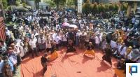 Kondisi masyarakat saat mendatangi silaturrahmi RA-Rudi di posko utama pemenangan di Adinda Futsal Painan Timur-IV Jurai