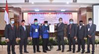 Andri Warman-Irwan Fikri Ditetapkan bupati dan wakil bupati terpilih