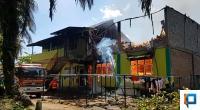 Kondisi saat sijago merah melahap asrama SMP IT Darul Hikmah Simpang Tigo, Kecamatan Luhak Nan Duo