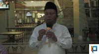 Kepala Sekolah SMKN 2 Padang menjelaskan permasalahan kepada awak media