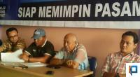 Ketua BPOKK DPD Partai Demokrat Sumbar, Gusrial bersama Dewan Pengawas DPC Partai Demokrat Pasaman, Suharjono dan Wakil Ketua III DPC Partai Demokrat Pasaman Alfison, dan Penasehat Hukum.