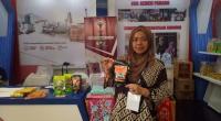 Rosmawarty, pemilik Dapur Yonica saat mengikuti pameran yang difasilitasi Semen Padang di Batam beberapa tahun lalu.