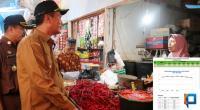 Walikota Pariaman Genius Umar ketika meninjau Pasar Penampungan Pariaman berkesempatan berdialog dengan salah satu pedagang