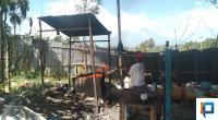 Pembuatan paving block di Gaduik, Nagari Batu Payuang, Kecamatan Lareh Sago Halaban, Kabupaten Lima Puluh Kota.