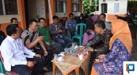 Ferizal Ridwan dan Nurkhalis saat mendatangi kantor KPU Kabupaten Lima Puluh Kota, Kamis (20/2).