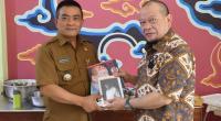 Ketua DPD RI bertemu dengan Walikota Cirebon Nashrudin Azis, di RM Nasi Jamblang Bu Nur, Kota Cirebon, Selasa (19/10/2021).