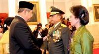 SBY saat menunjuk moeldoko jadi Panglima TNI