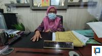 Kepala Dinas Pendidikan dan Kebudayaan Indrawati saat ditemui beberapa waktu lalu di ruang kerjanya.