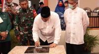 Wako Solok, Zul Elfian menandatangani prasasti masjid Al-Muhajirin, Kota Solok