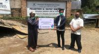 PLN Unit Induk Wilayah (UIW) Sumbar melalui program CSR PLN Peduli menyerahkan bantuan modal untuk peternak sapi pada Kamis (29/09) kepada Kelompok Ternak