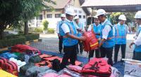 GM PLN UIW Sumbar bersama tim tengah melihat barang untuk penanggulangan jika terjadi bencana