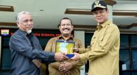 Walikota dan Wakil Walikota Pariaman saat loncing SP via Online