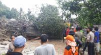 Longsor dan banjir bandang di Nagari Guguak Malalo, Tanah Datar