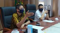 Gubernur Sumbar Irwan Prayitno didampingi Kadis Kominfo Jasman