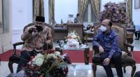 Gubernur Sumbar Mahyeldi Ansharullah bersama Sekretaris Jenderal (Sekjen) Anwar Sanusi