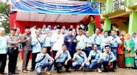 Kompak, Wako Solok Zul Elfian, Wawako Reinier dan ketua PWI Sumbar Heranof Firdaus foto bersama dengan pengurus PWI Kota Solok