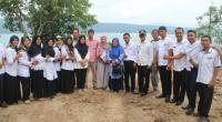 Rombongan KLHK saat mengunjungi nagari Muaro Pingai, Kabupaten Solok