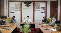 Wako Solok, H. Zul Elfian saat rapat Forkompinda di kantor Balaikota Solok
