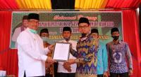 Bupati Solok, H. Gusmal serahkan SK peralihan status musala Baabul Jannah menjadi masjid kepada pengurus