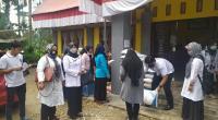 Penyerahan Bansos beras kepada KPM PKH di Kota Payakumbuh.