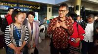Gubernur Sumbar Irwan Prayitno bersama turis China di BIM