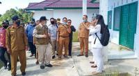 Wagub Sumbar Nasrul Abit saat mengunjungi RSUD Siberut