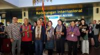Turis China sampai di Bandara Internasional Minangkabau