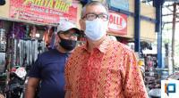 Wali Kota Riza Falepi saat melakukan sidak ke Pasar Payakumbuh kemarin.