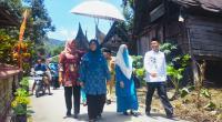 Ny. Wartawati Nasrul Abit di dampingi Ny. Ayu Abdul Rahman saat Penilaian di Nagari Pasir talang, Senin