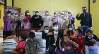 Penyerahan bantuan kepada Panti Asuhan dan SLB Waraqil Jannah Kecamatan X Koto