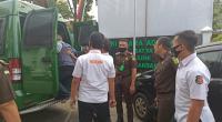 Tersangka dugaan kasus korupsi transmigrasi Kabupaten Lima Puluh Kota di Kejari Payakumbuh.